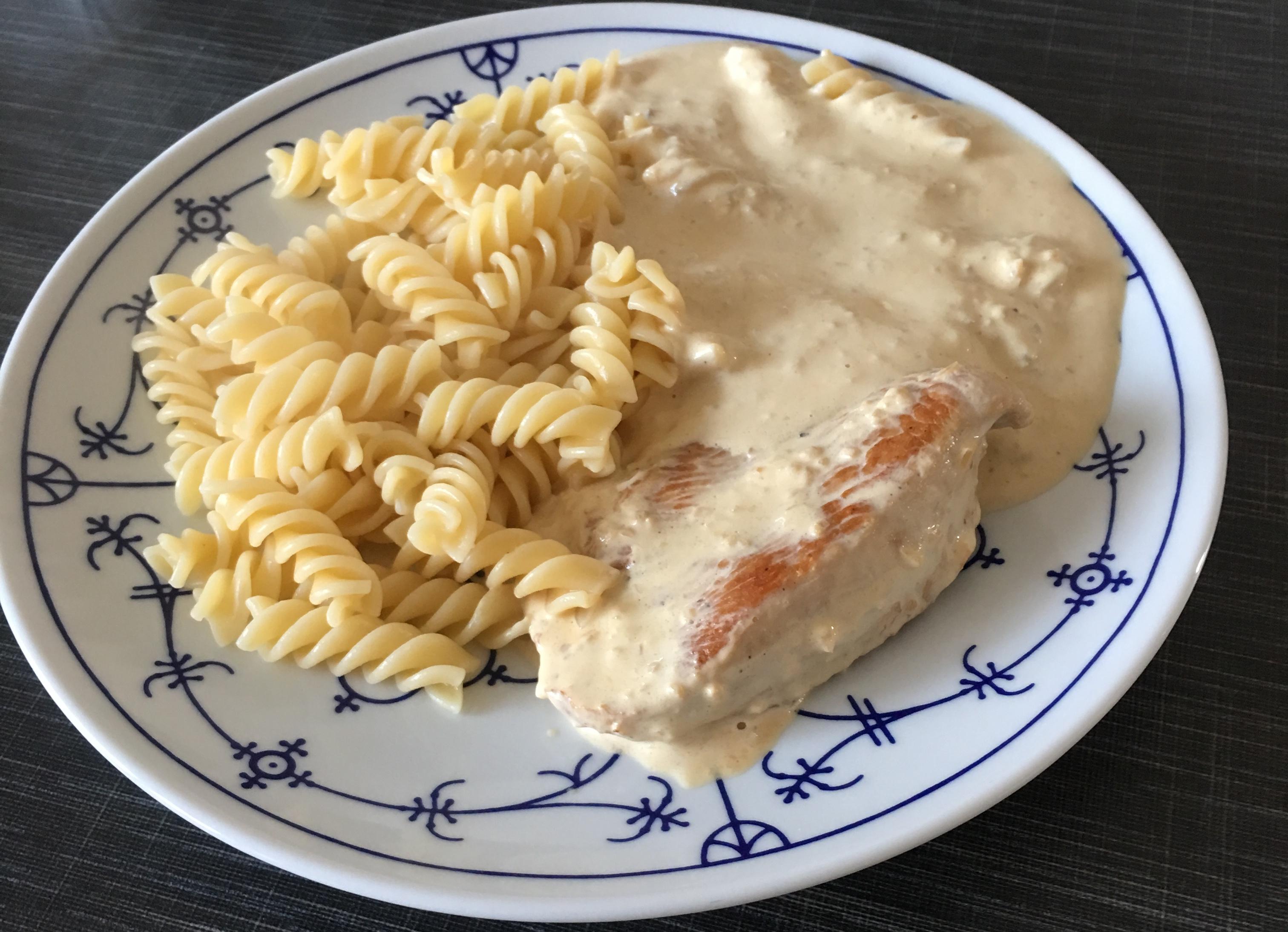 Putenschnitzel in Ziegenfrischkäse